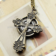 European hot sale cartoon jesus cross quartz movement antique pocket watch