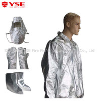 Radiation protective clothing/aluminised fire proximity suit