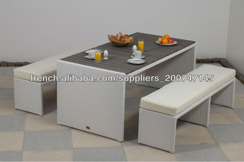 Ext rieur de jardin en rotin synth tique banc et la table for Table et banc de jardin