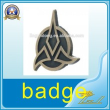 Cheap wholesale dart badge,gold metal enamel pin,cloisonne lapel pin