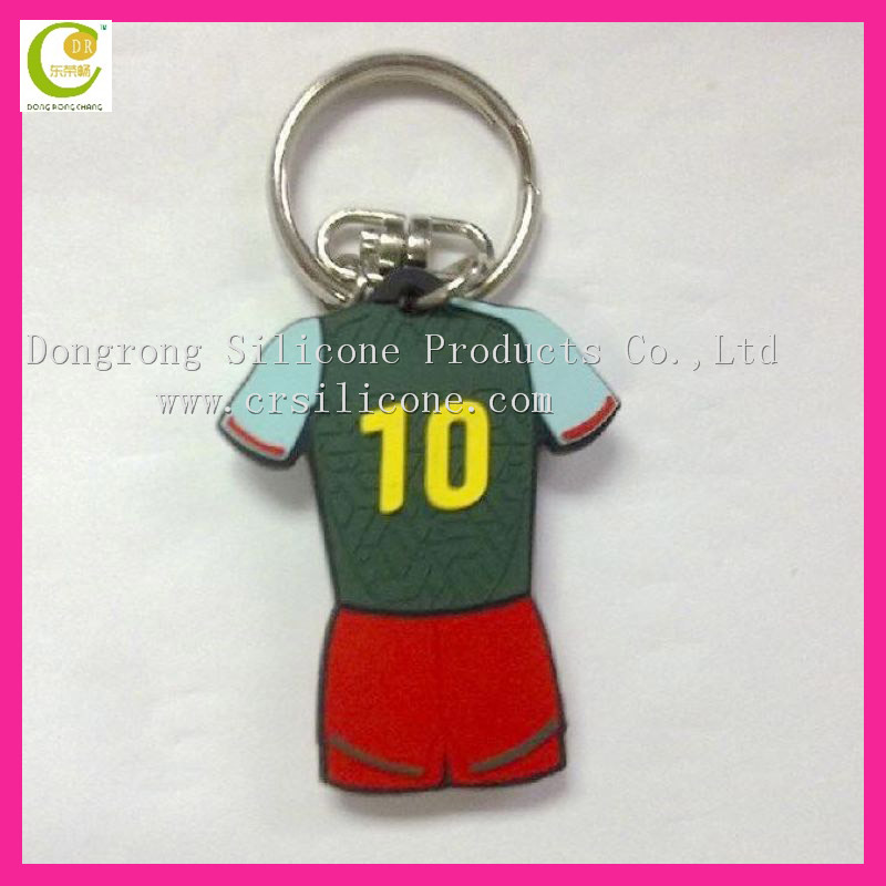 Best quality football fans promotional gift hot sale impressive embossed rubber band keychain
