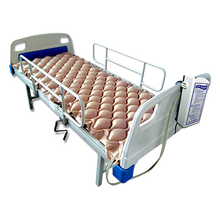 Bed type medical air cushion for paralysis, coma, major surgery, fracture traction, and severe burns