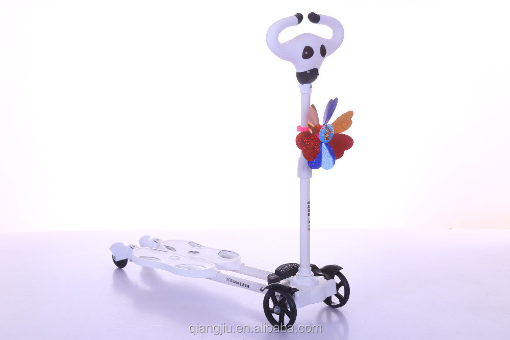 2019 Fun Toys Cheap 4 Wheels Kids Kick Mini Scooter with Newest Design