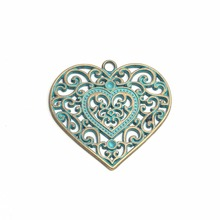 Heart shaped photo fame love symbol pendant nickel free lead free metal alloy jewelry findings