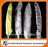 top quality factory price fashionable goose feather with motif wedding decoration