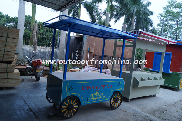 Outdoor street wooden mobile food cart