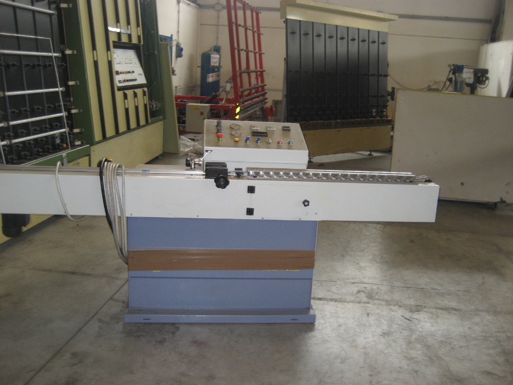 SEALING MACHINE FOR GLASS - BUTYL EXTRUDER