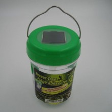Solar light garden fly trap