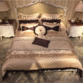 Exquisite Victorian Style Solid Wood Hand Made Antique Reproduction Bedroom Furniture White Bed BF08-YS016