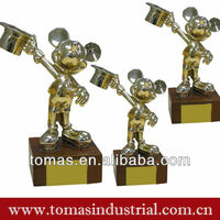 Fashionable mouse shaped custom metal animal figurine