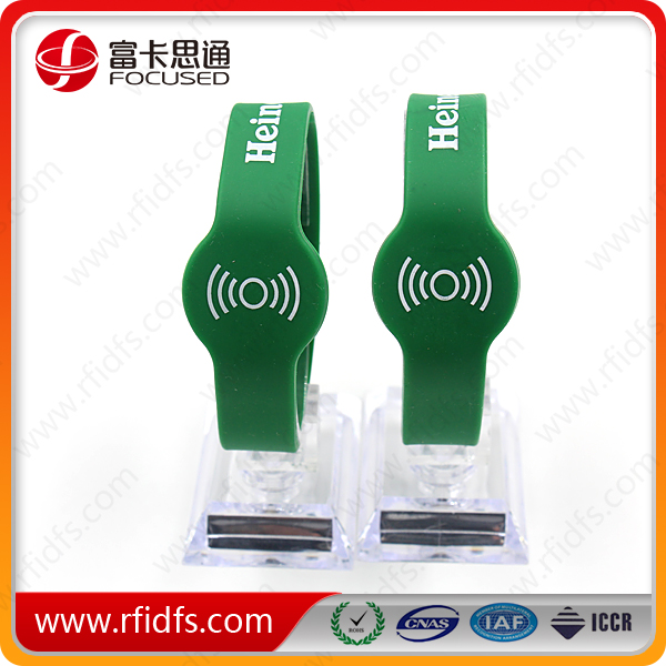 nfc rfid wristband used with android mobile phone