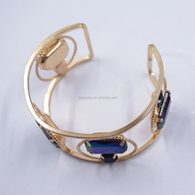 2017 New pattern fashion glass fancy gold bangles design designs with price