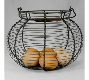 Goured shaped handmade farm chicken wire egg basket