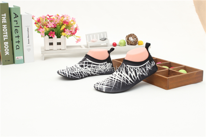Soft skin shoes / Anti-slip casual shoes / TPR sole Ponlede-Roma closure