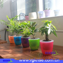 New desig mini plastic indoor garden self watering flower pot with low price