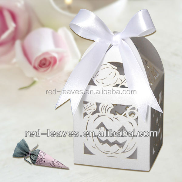 customised white wedding small paper candy box with ribbon attached for halloween decoration gift box