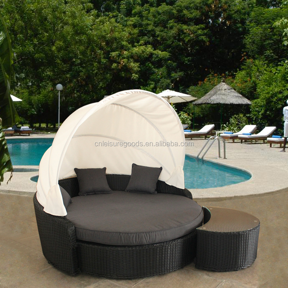 Quality outdoor round rattan daybed with canopy with table Outdoor daybed with canopy