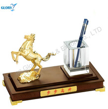 High quality metal horse ornament desktop with pen holder