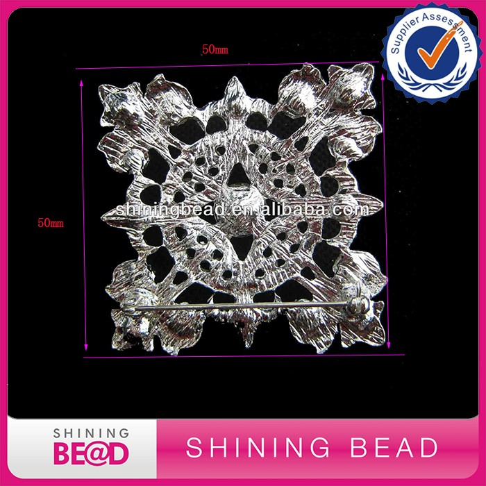 Customized fashion square rhinestone crystal brooch for lady