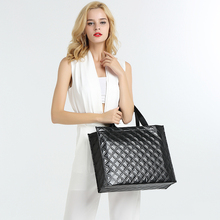 Colorful OEM Factory Women Laser Film Laminated Non-woven Shopping Carry Promotional Tote Bag