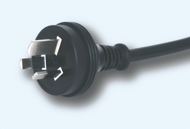 3 pin plug and standard plug with wire