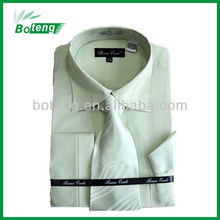 Men's dress shirt with tie & hanky packing