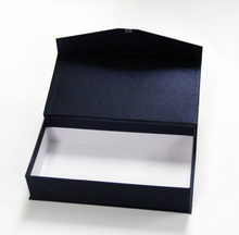 Manufacturer Custom Book Shape Hinged Paper Wine Packing Box