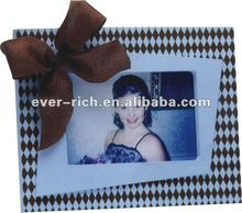 Cheap wholesale Family wooden picture frames,wall hung mounted with painted wooden photo frames