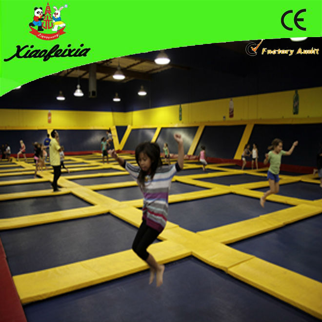 super jump trampoline with yellow pad