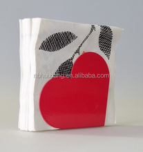 Valentine's day metal iron coating heart-shaped napkins paper holder