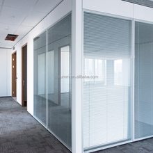 modular office dividing wall Soundproof glass cubicle walls designer glass partition with blinds for Bank Office
