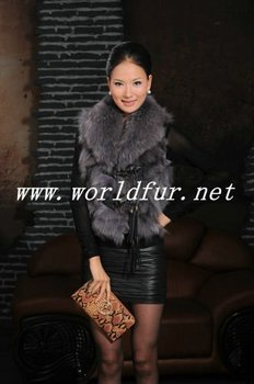 J-8116 Raccoon Fur Vest for Women, with Fox fur collar