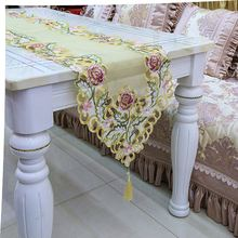 Hot selling different types meticulous embroidery table runner