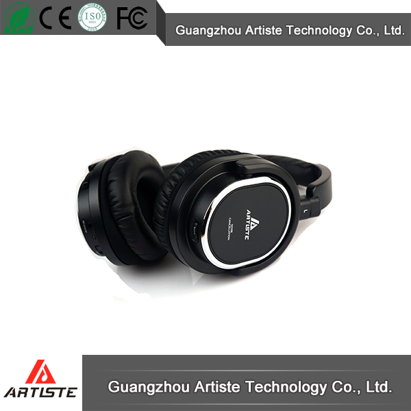New Design Fashion Low Price Earmuff Headphone Mic Cable