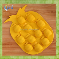 Promotional pineapple shape silicone personalized ice cube tray