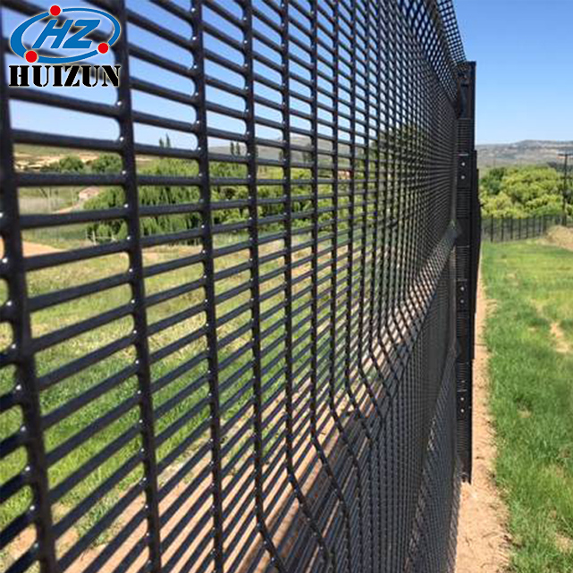 Cochrane powder coated clearvu fencing price per meter