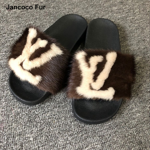 Wholesale New Design Women Luxury Fur Slides Real Mink Fur Slippers Traveling Summer Fur Sandals For Fashion Lady