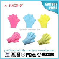 silicone waterproof swimming gloves