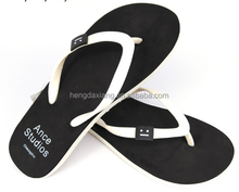 Good quality promotional lady beach flip flops slippers