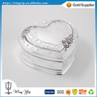 Manufacturer trendy Heart Shape Floral Antique Silver Plated Metal Jewelry box for decoration