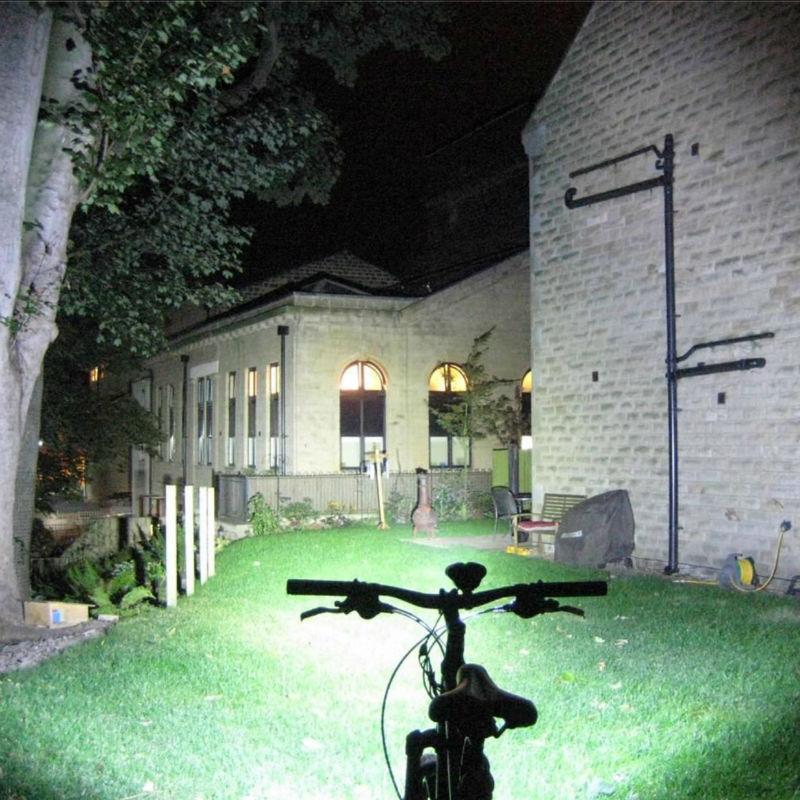 kaufen hochwertige fahrrad licht fahrrad led licht fahrrad licht aus china bestly. Black Bedroom Furniture Sets. Home Design Ideas