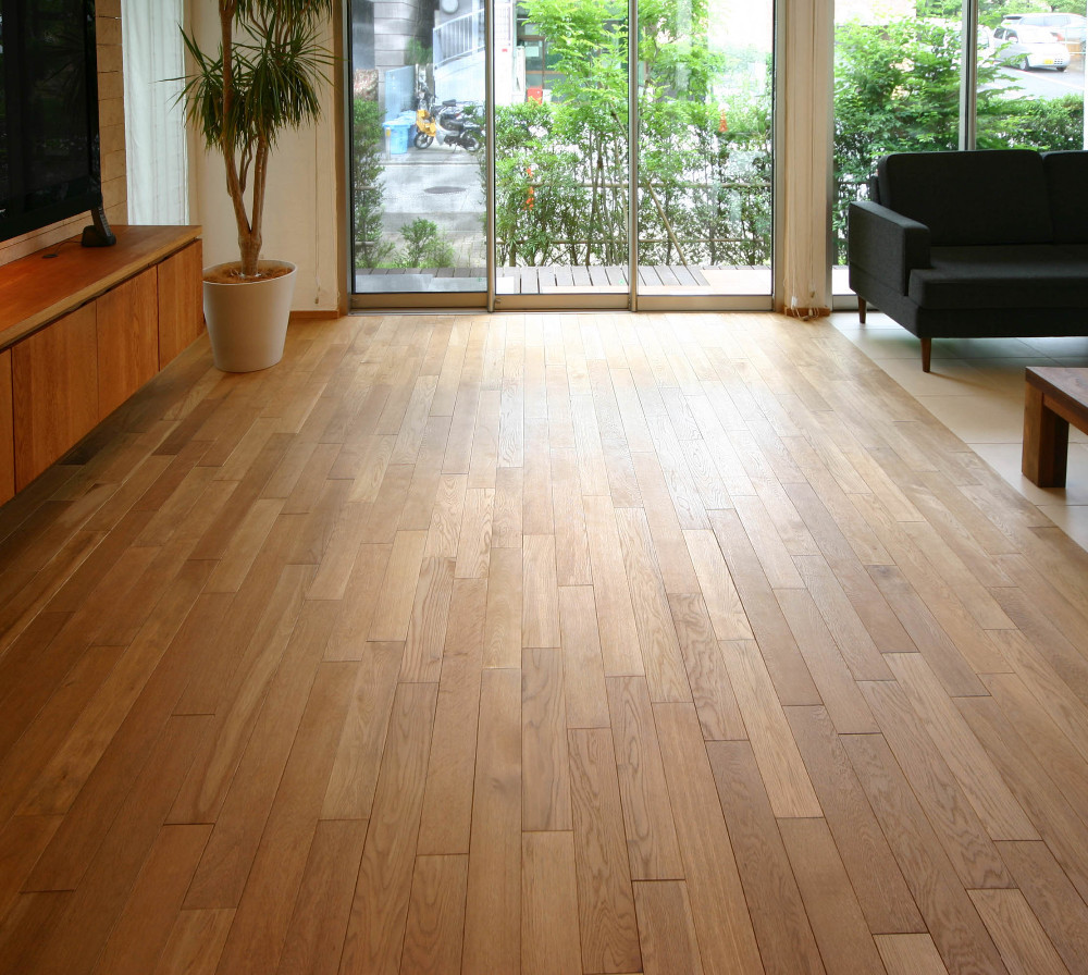 Healthy and genuine laminated wood flooring at factory cheap price