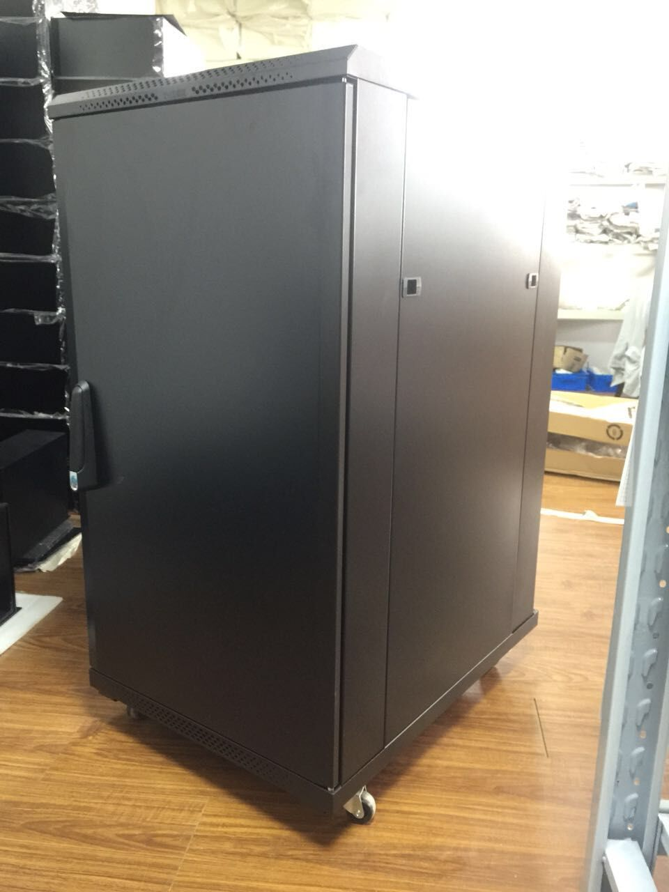 37U / 1800*600*600mm server cabinet aluminum enclosure for computer use 19 Inch Telecom Rack Network Server Cabinet