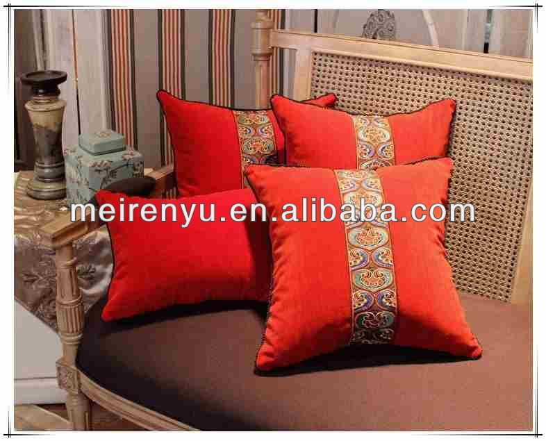 Chinese fashional cushion cover can be customzie and 100% silk velvet fabric sofa chiar cushion covers