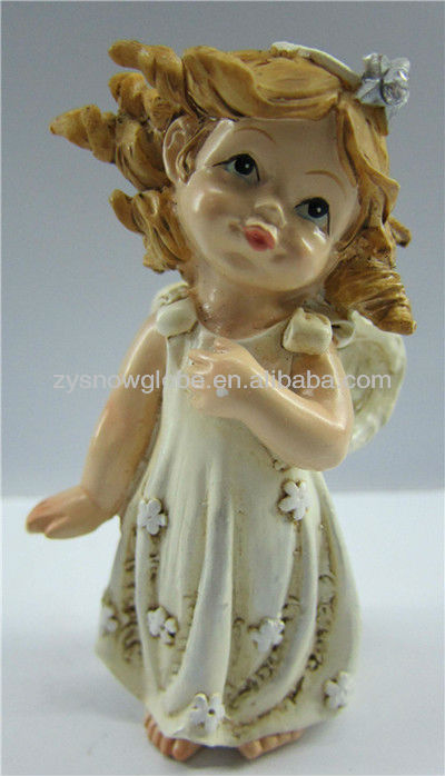 Resin small angel sculpture