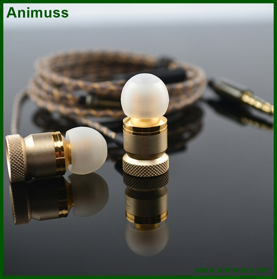 Factory Customized Metal wired In Ear earbuds Earphones with Microphone for Mp3 Mp4 <strong>Players</strong>