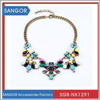 Women Acrylic Flower Pendant Jewelry Multicolour Beaded Choker Necklace