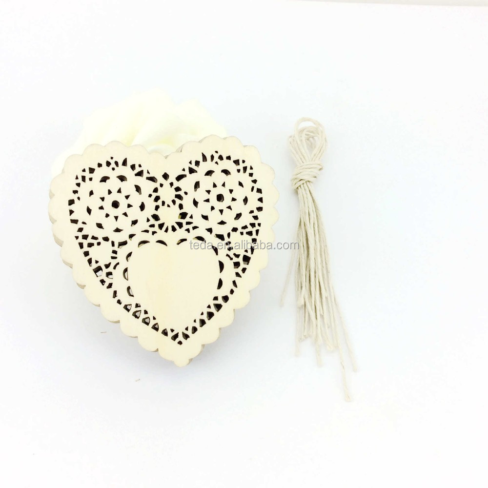 Natural heart shapes wooden tags for wall hanging decoration