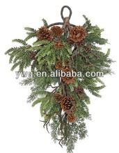 2013 mall atrium christmas wreath decoration