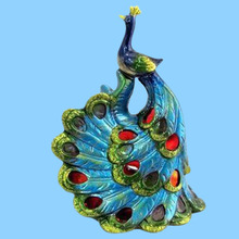 High quality elegant arts crafts artificial peacock feathers statue
